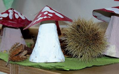 Basteln: Kastanienmännchen, Blätter und Apfeldruck